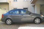 Hyundai Accent lateral
